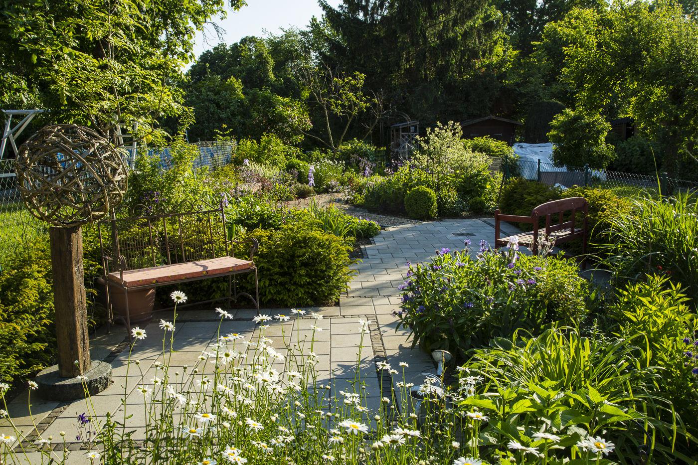 Vorher-/Nachher-Ansichten einiger Gartenrealisierungen › Verona Michael